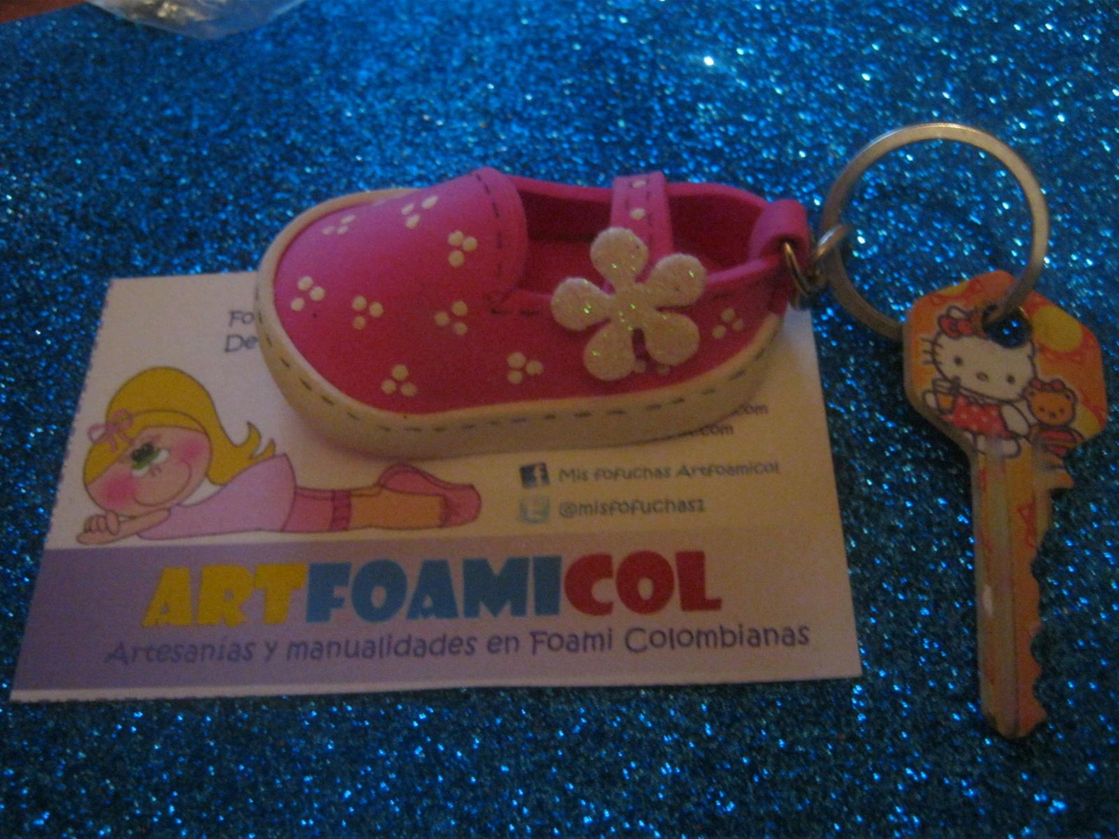 ZONA PURPURA: Nuevos Zapatos Fofuchos LLavero Navideño Foami Goma ...